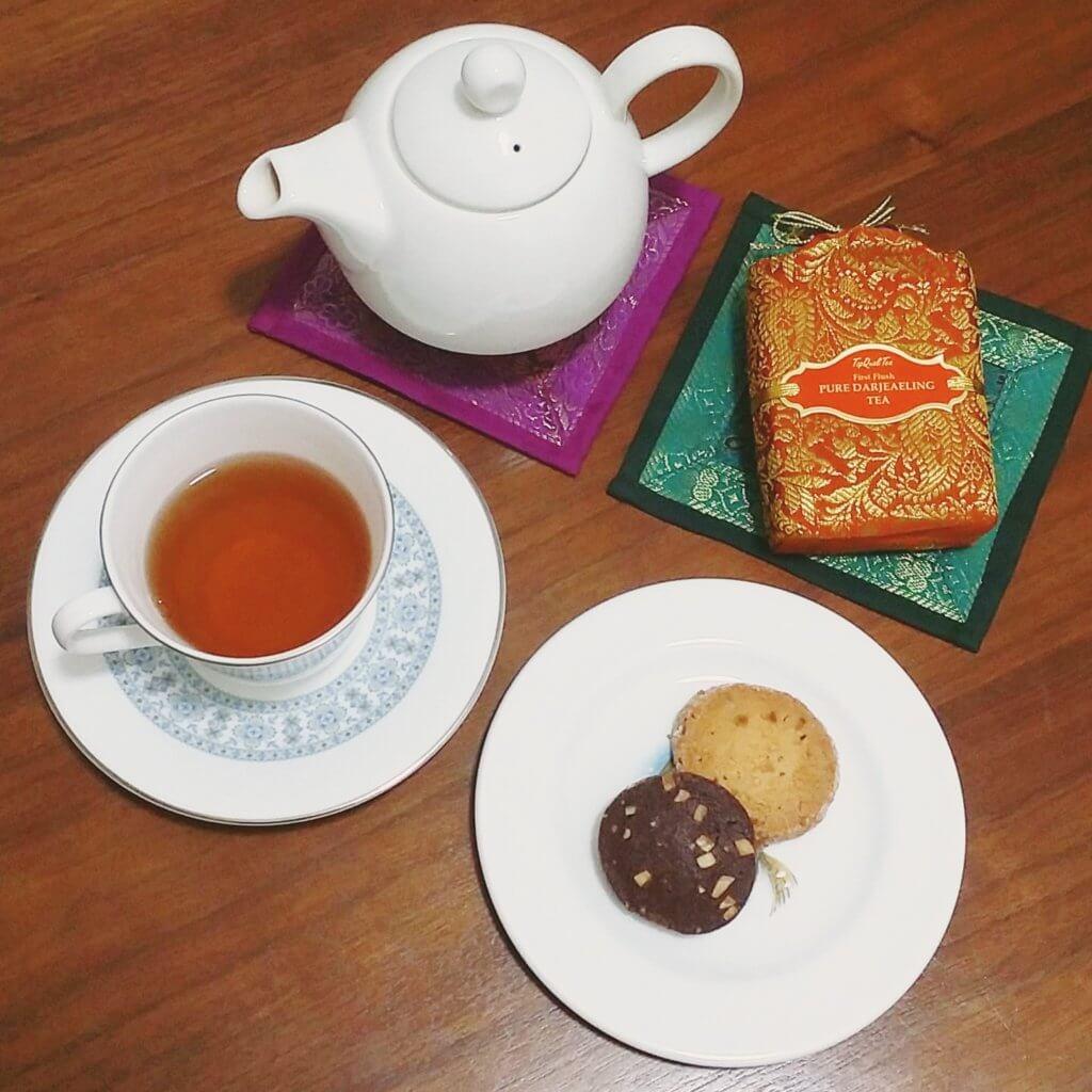 Top Quali Teaのダージリンとクッキーのティータイム