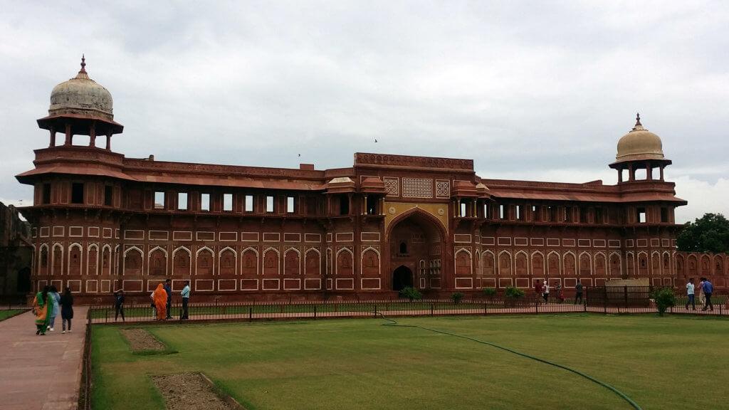 アグラ城のジャハーンギール宮殿