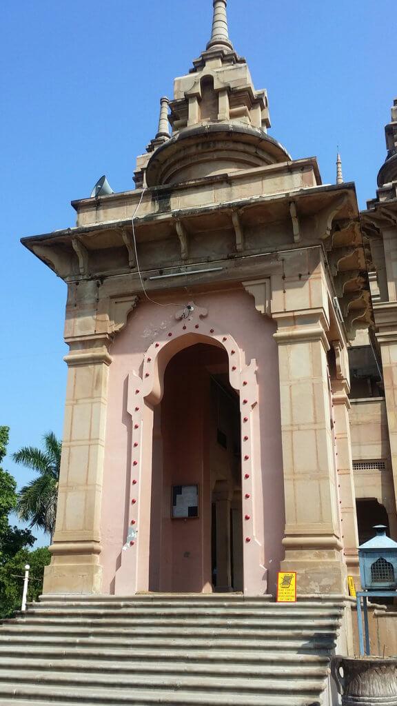 ムルガンダ・クティ寺院 入口