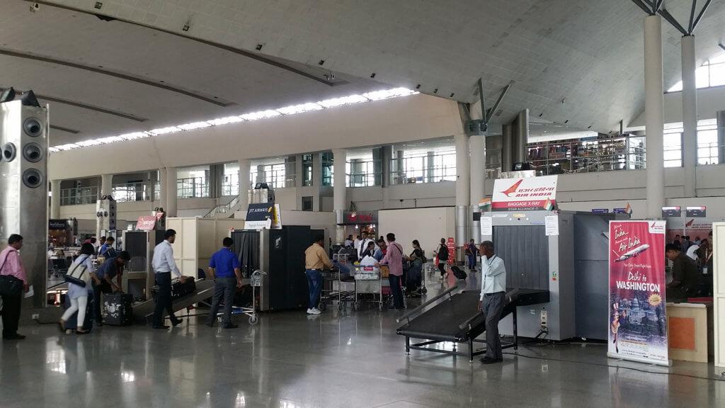 ヴァーラーナシー空港のセキュリティチェック